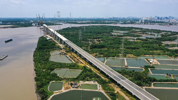 Large traffic projects in the pipeline for southern Vietnam: transport minister