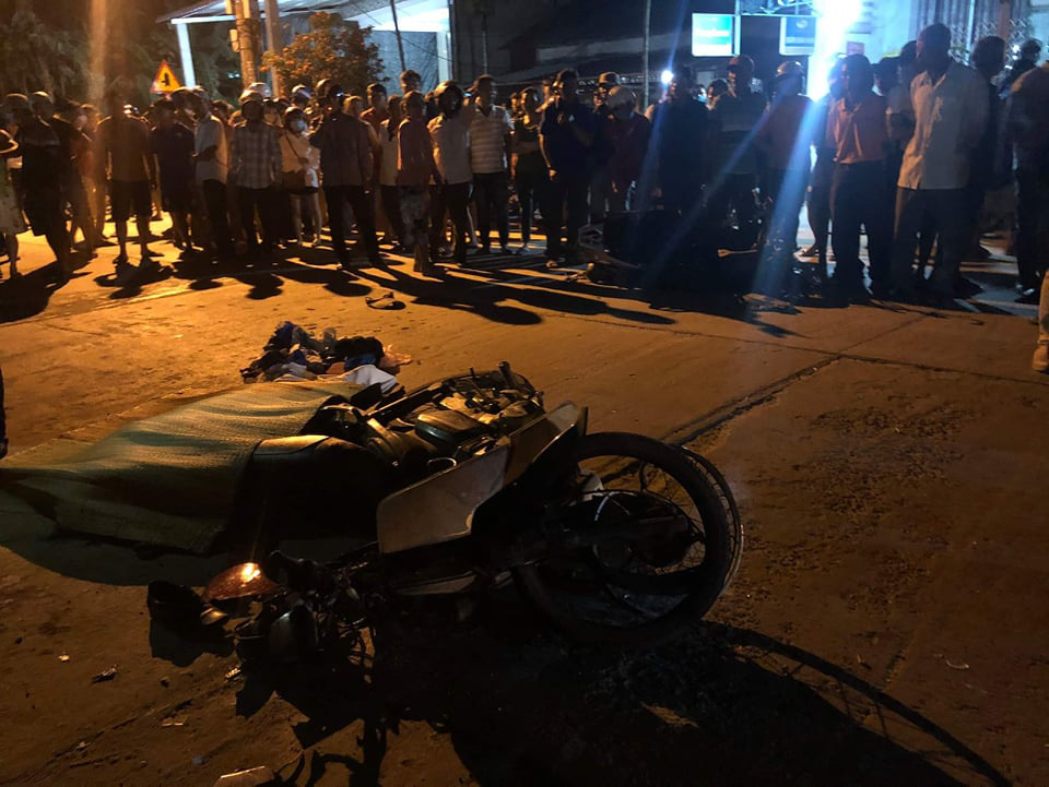 Two dead, three injured in serial traffic accident in central Vietnam