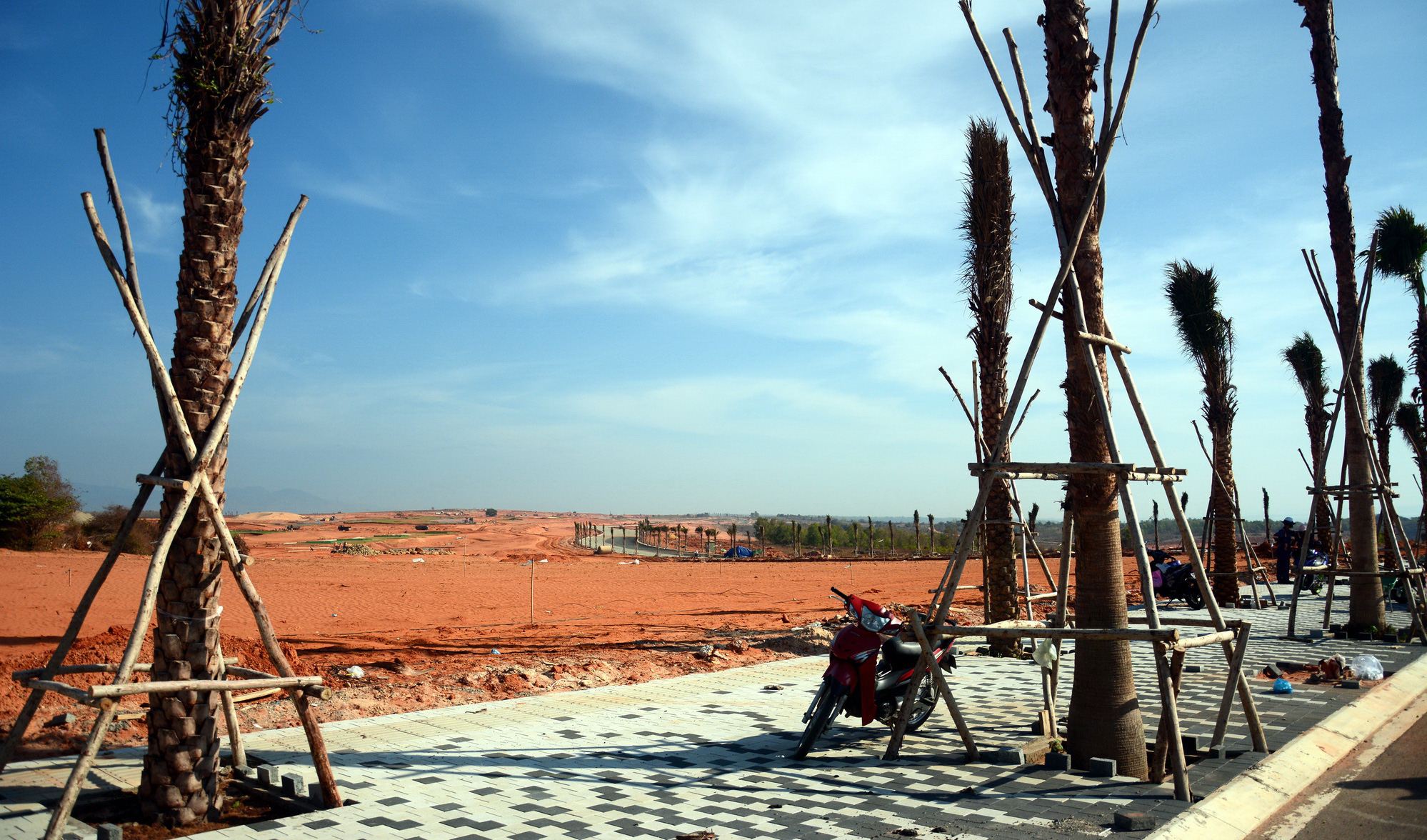 A golf course is being constructed in Binh Thuan Province, Vietnam. Photo: Duc Trong / Tuoi Tre