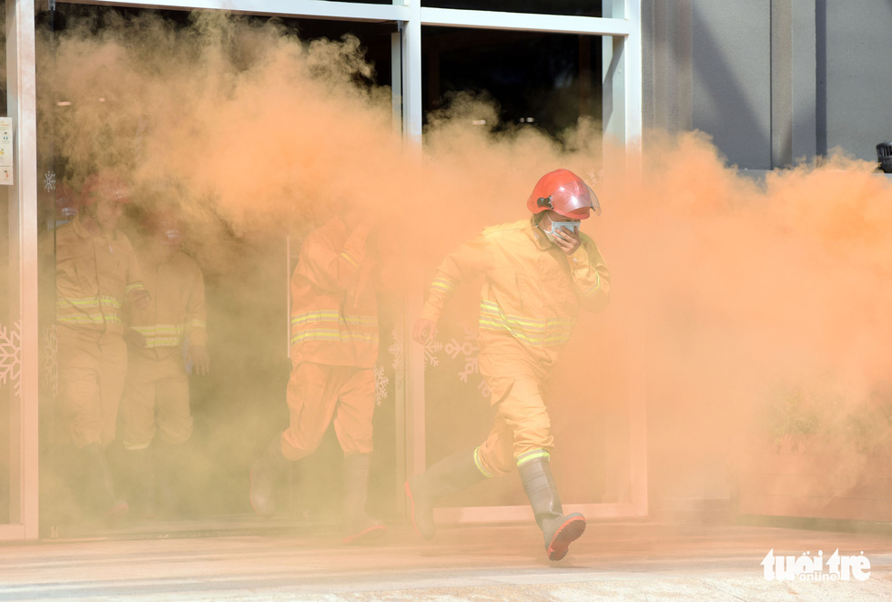 A drill conducted to improve skills of firefighting, rescue, and salvage in Ho Chi Minh City.