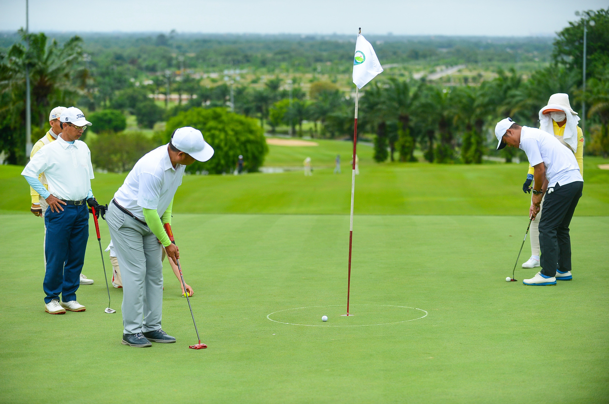 Golf course construction a bone of contention in Vietnam