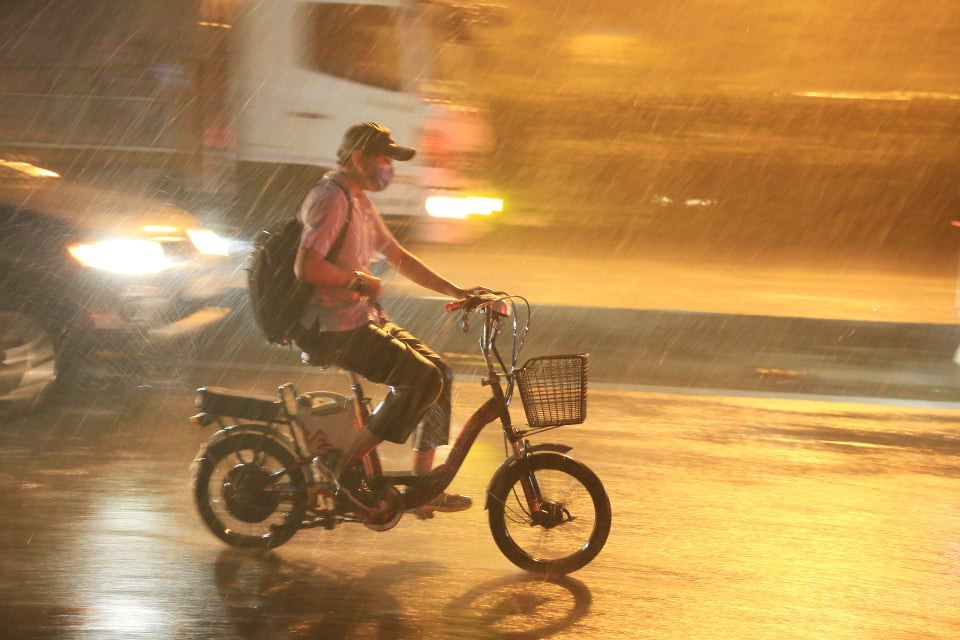 As wet season homes in on southern Vietnam, baking heat forecast to linger