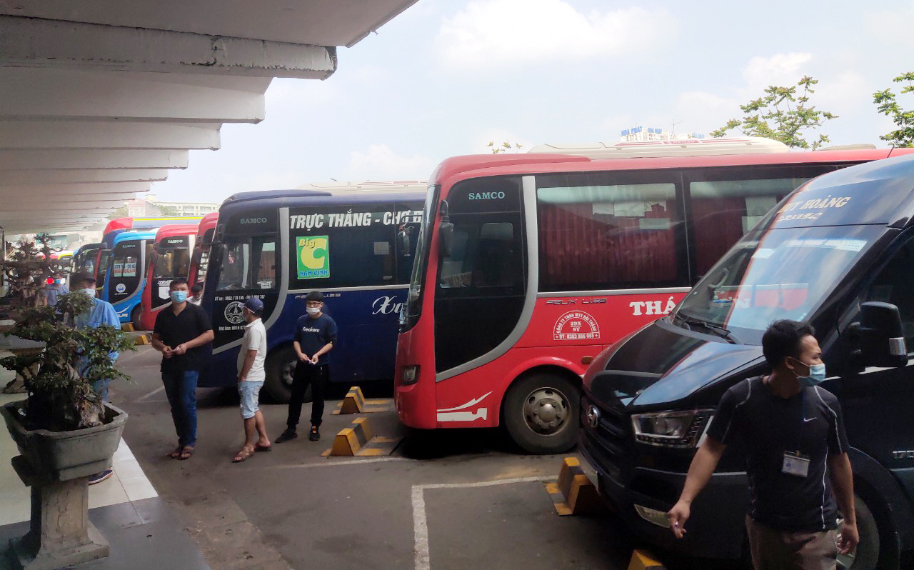 Passenger buses, tractor-trailers required to have onboard cameras in Vietnam