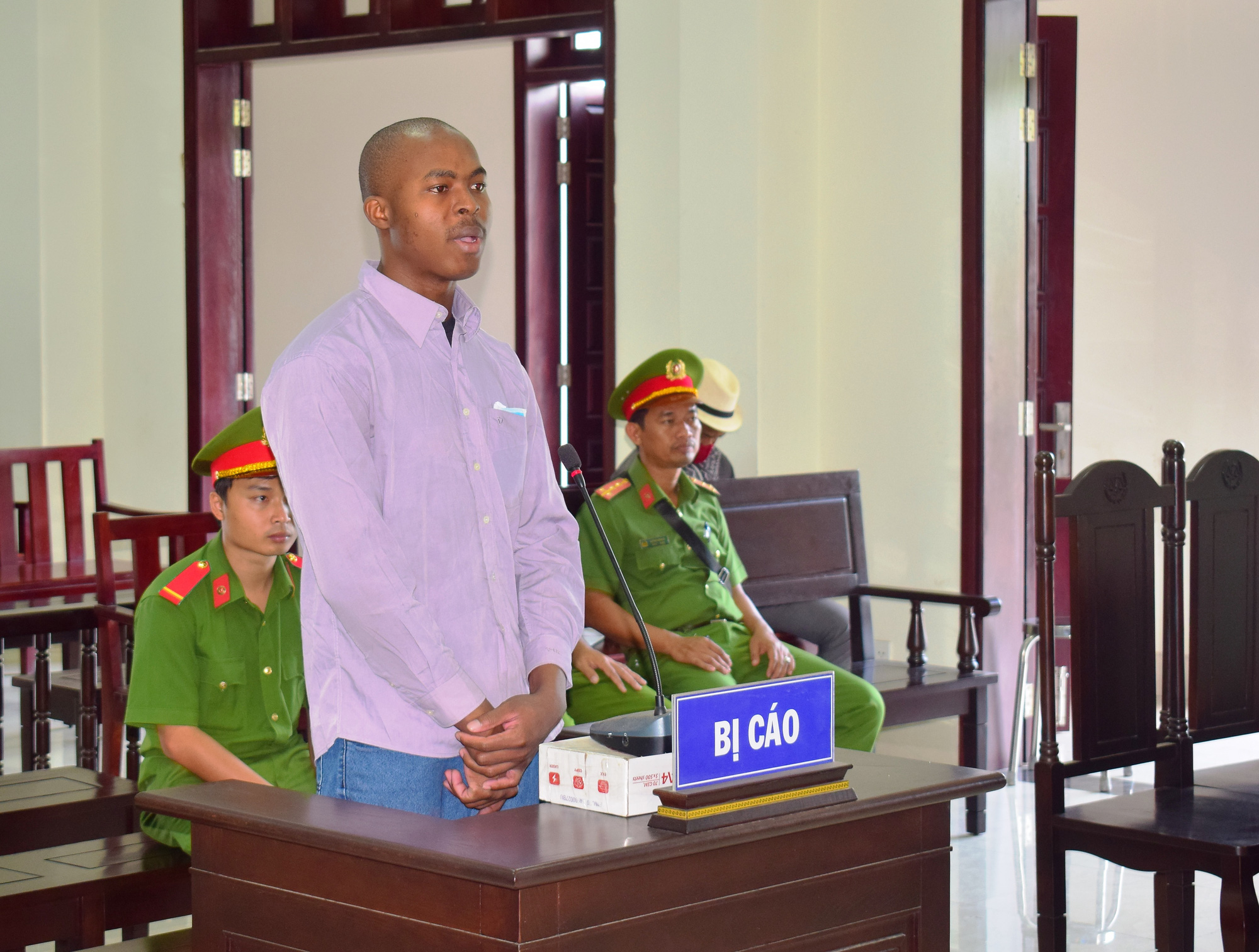 Nigerian man sentenced to death for transporting drugs from Cambodia to Vietnam