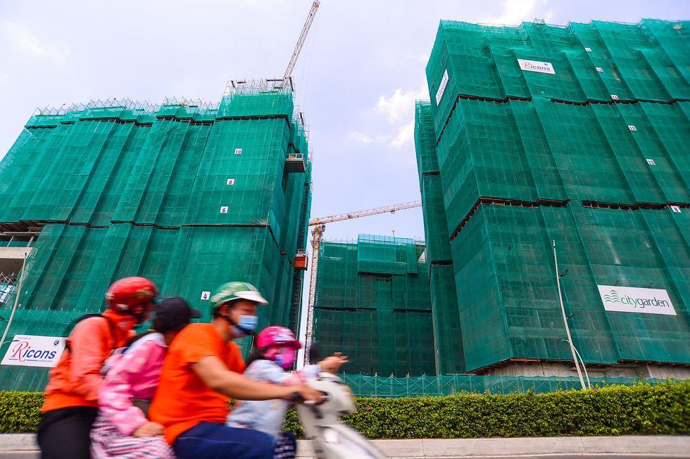 Construction site of an apartment building project in Thu Duc City under Ho Chi Minh City. Photo: Quang Dinh / Tuoi Tre