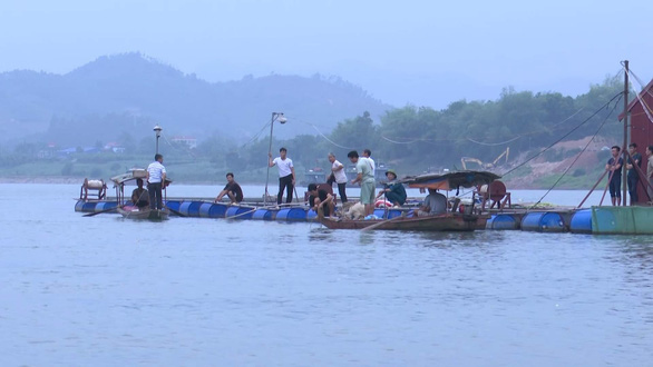 Seventh-grade students go missing after swim in northern Vietnam river
