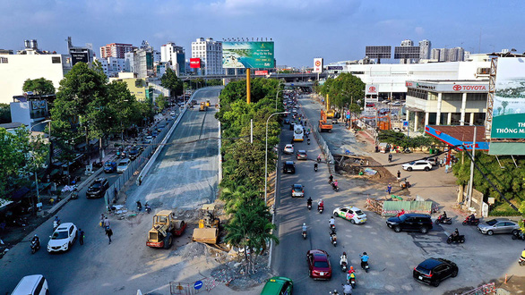 Ho Chi Minh City scrambles to fix streets as inundation season approaches