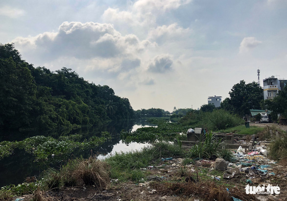 Tham Luong Canal in Ho Chi Minh City is heavily polluted. Photo: Chau Tuan / Tuoi Tre
