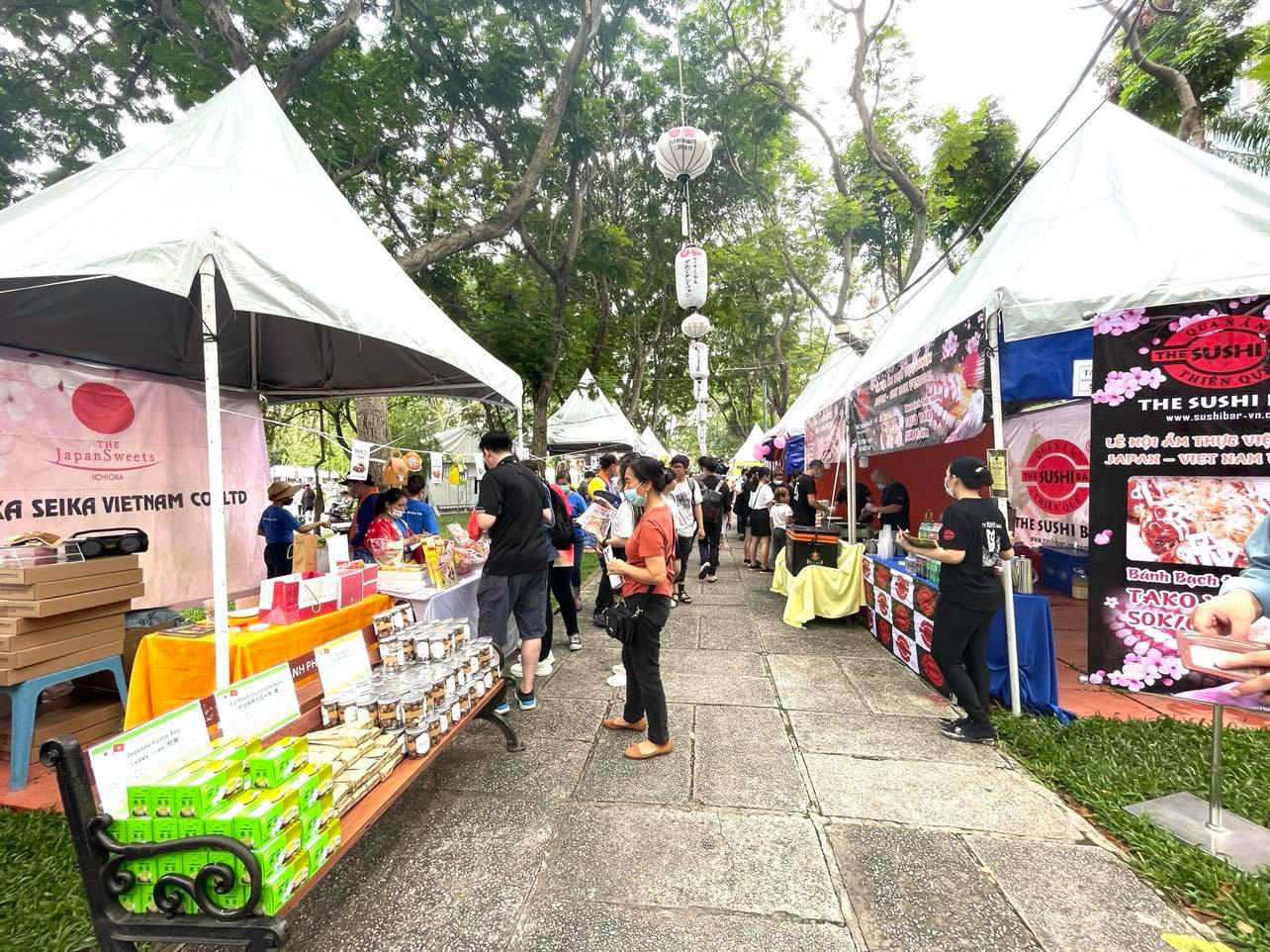 Food booths at the Japan Vietnam Festival in Ho Chi Minh City on April 17, 2021. Photo: Dong Nguyen / Tuoi Tre News