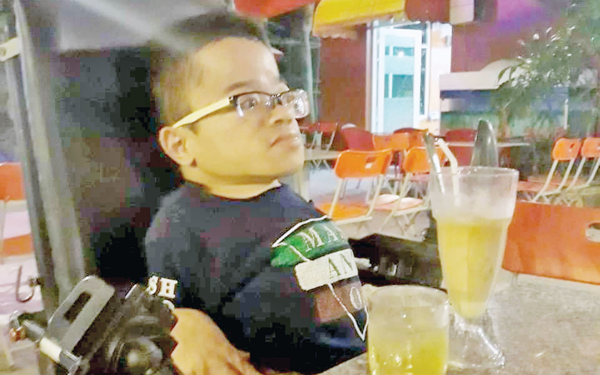 Disabled Vietnamese man speaks out against YouTube bullies