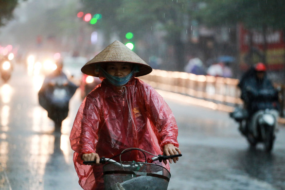 Torrential rain is forecast for all weekend in Hanoi, surrounding areas