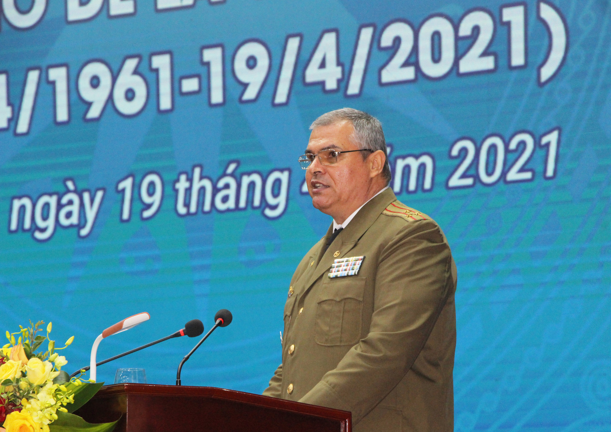 Colonel Juan Miguel García Montano, a Cuban military attaché, speaks at the ceremony to celebrate the 60th anniversary of Cuba's Girón victory in Hanoi, April 19, 2021. Photo: H.Q. / Tuoi Tre