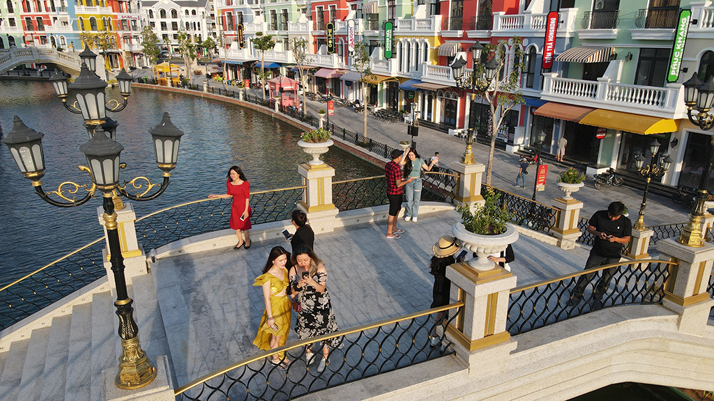 Tourists to spend more in Vietnam's first-ever 'sleepless city'