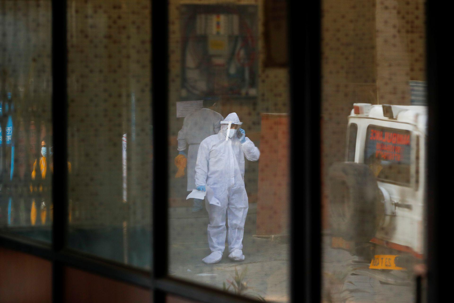India coronavirus cases set new global record, U.S. readies help