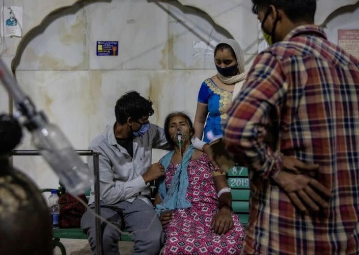 Vietnam repatriates almost 1,000 citizens from India amid coronavirus crisis