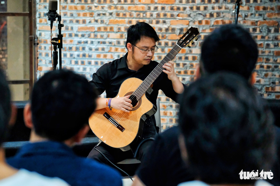 Hanoi choirs put on show in remodeled old factory