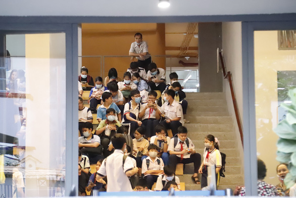 Students wait inside a prep class in a private tutoring center in Ho Chi Minh City in this photo taken on April 22. Photo: N.Hung / Tuoi Tre