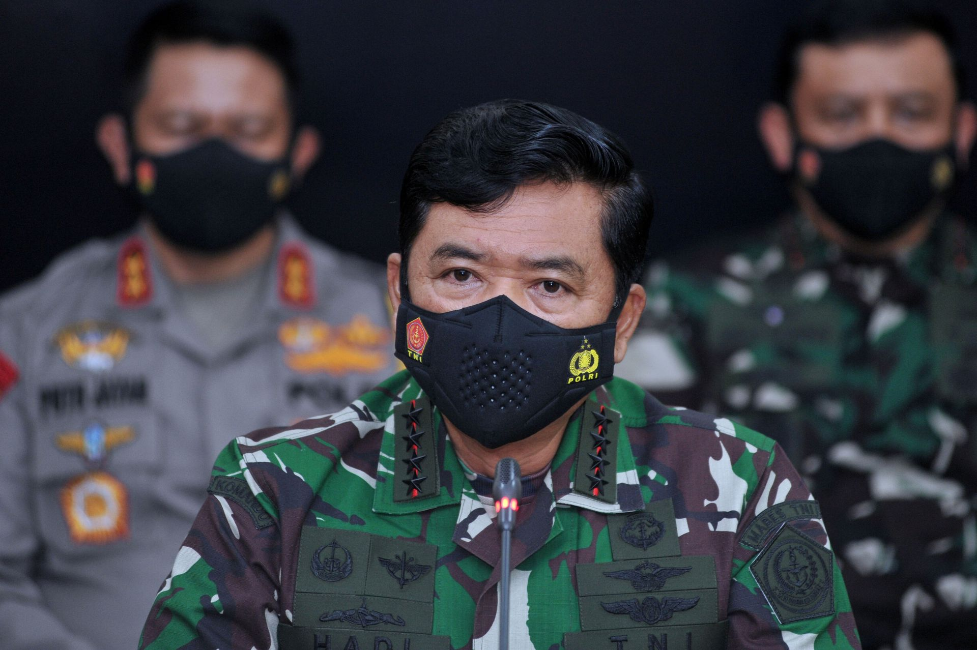Indonesian military chief Hadi Tjahjanto speaks during a news conference about the search operation of submarine KRI Nanggala-402, which has sunk in the north of Bali sea and all of its 53 crew have died, at the I Gusti Ngurah Rai airbase in Bali, Indonesia, April 25, 2021 in this photo taken by Antara Foto. Photo: Antara Foto/Fikri Yusuf/ via Reuters