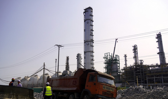 Air separation towers at the LPG storage project in Phu My Town, Ba Ria - Vung Tau Province. Photo: Dong Ha / Tuoi Tre