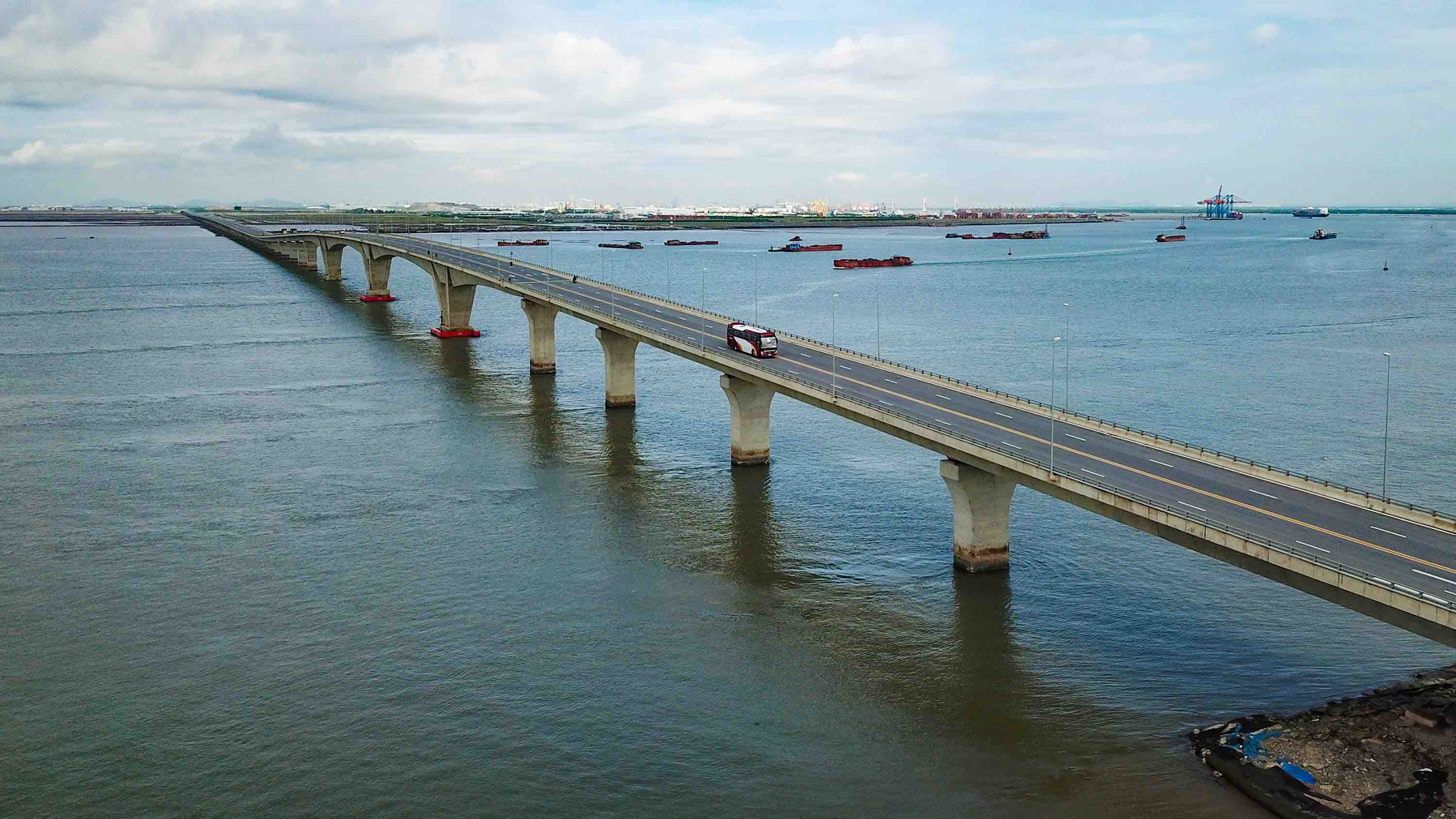 A bird's-eye view picture shows the five-kilometer Lach Huyen Bridge, Vietnam's longest bridge. Photo: Nam Tran / Tuoi Tre