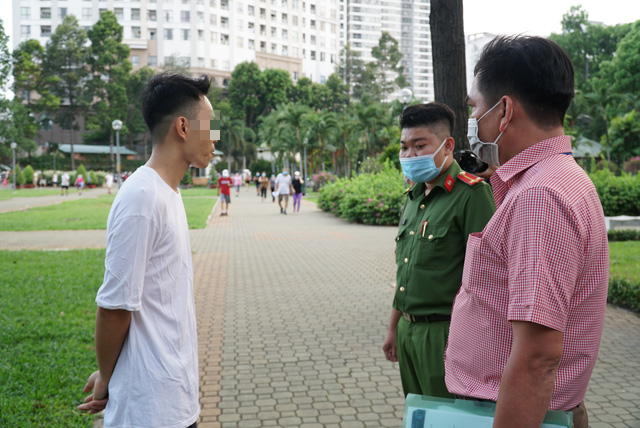 Man booked for failure to wear face mask while exercising in Ho Chi Minh City