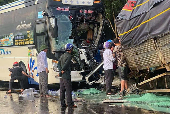 Truck driver dead after head-on collision with sleeper bus in southern Vietnam