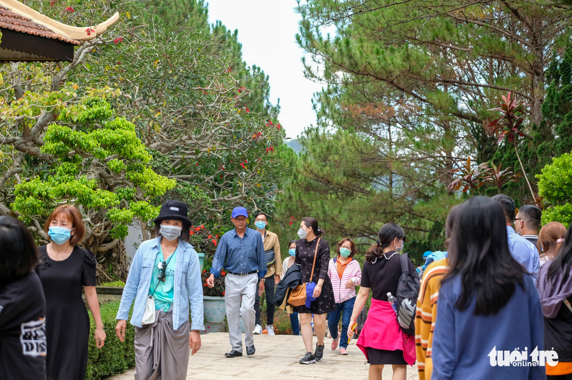 Truc Lam Zen Monastery in Da Lat City, Vietnam is filled with visitors, May 2, 2021. Photo: Duc Tho / Tuoi Tre