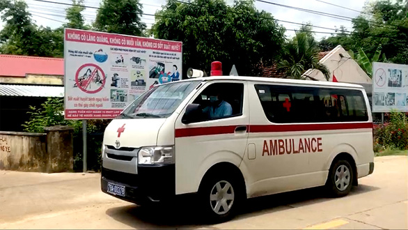 8 Vietnamese elementary school students receive emergency aid after taking anthelmintics