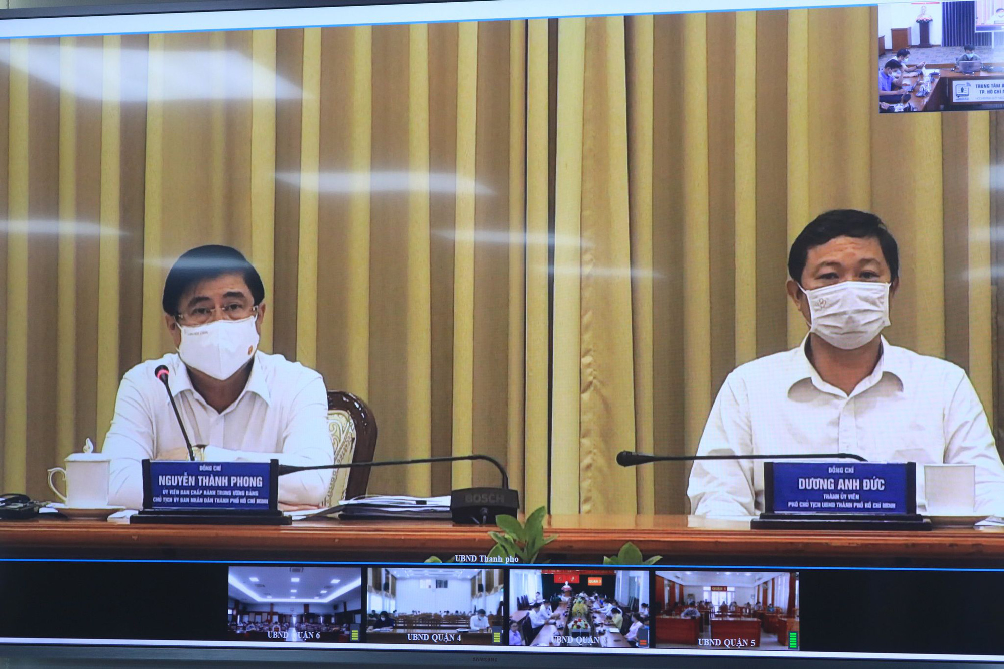 Eateries mustn't serve over 30 customers at a time: Ho Chi Minh City chairman