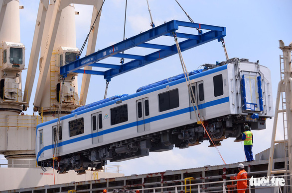 A train carriage is unloaded from the Kaisa vessel at Khanh Hoi Port in Ho Chi Minh City on May 10, 2021. Photo: Quang Dinh / Tuoi Tre