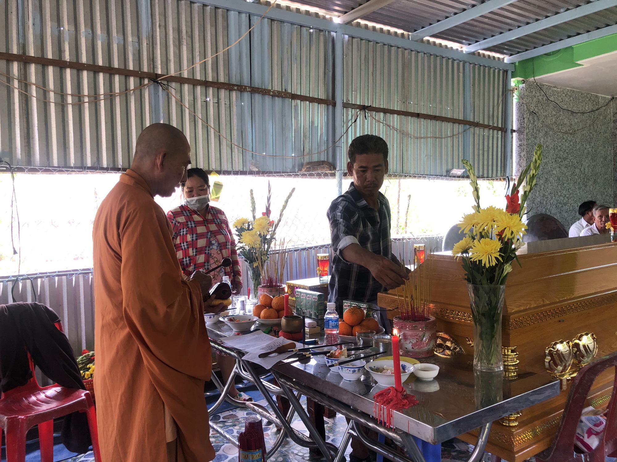 Children dead after eating perishable chicken congee in Vietnam
