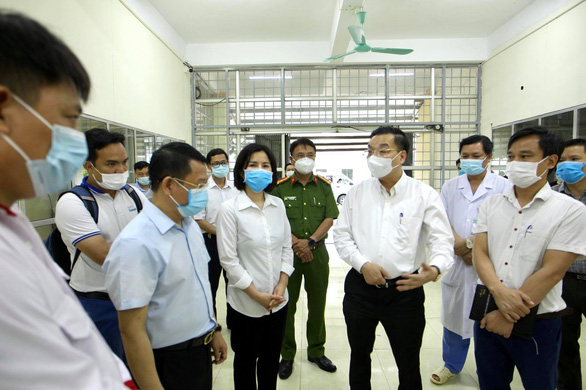 Hanoi limits gatherings to 10 people to beef up COVID-19 containment
