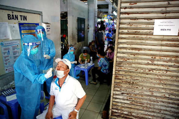 Vietnam records daily increase of 52 local coronavirus infections: health ministry's midday update