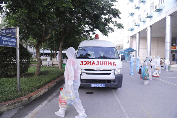 A facility belonging to Vietnam's National Cancer Hospital in Hanoi is put under lockdown after a COVID-19 cluster was detected at the facility. Photo: Ha Tran / Tuoi Tre