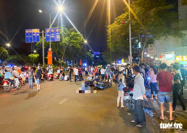 Man killed in crash after snatching woman's phone in Ho Chi Minh City