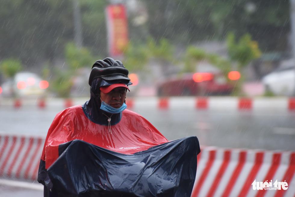 Vietnam's all three regions prepare for evening rains today