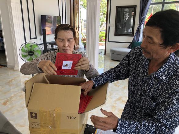 Amid COVID-19, Vietnamese couple organize wedding online