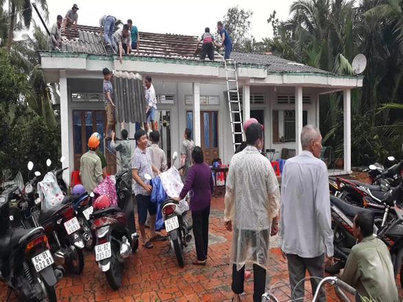 Whirlwinds, heavy rain wreak havoc in southern Vietnamese province