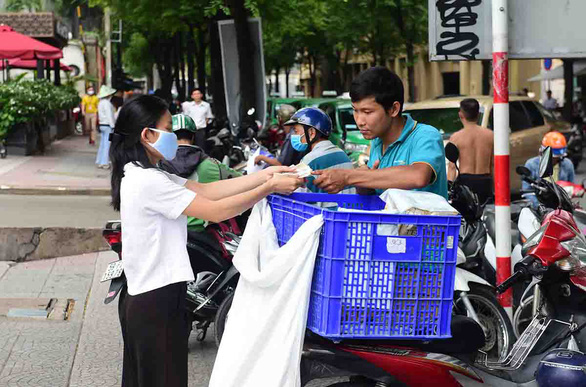 E-commerce platforms in Vietnam enter 'golden age' amidst COVID-19 pandemic: Adsota