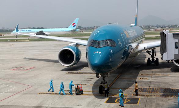 Vietnam prematurely ends ban on international flights to Hanoi, Ho Chi Minh City