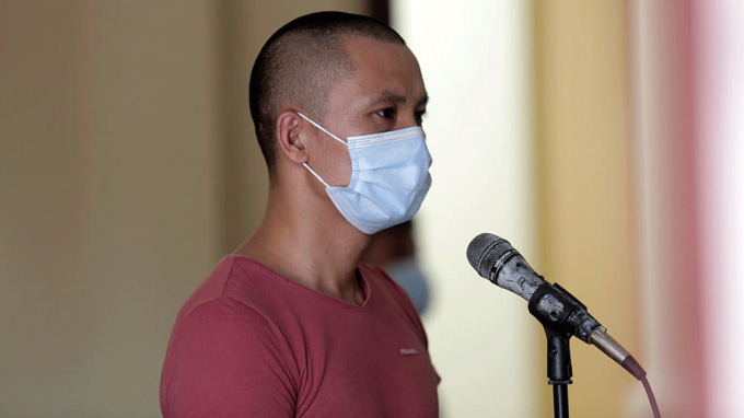 Man jailed for 30 months for attacking coronavirus checkpoint officer in Vietnam's epicenter