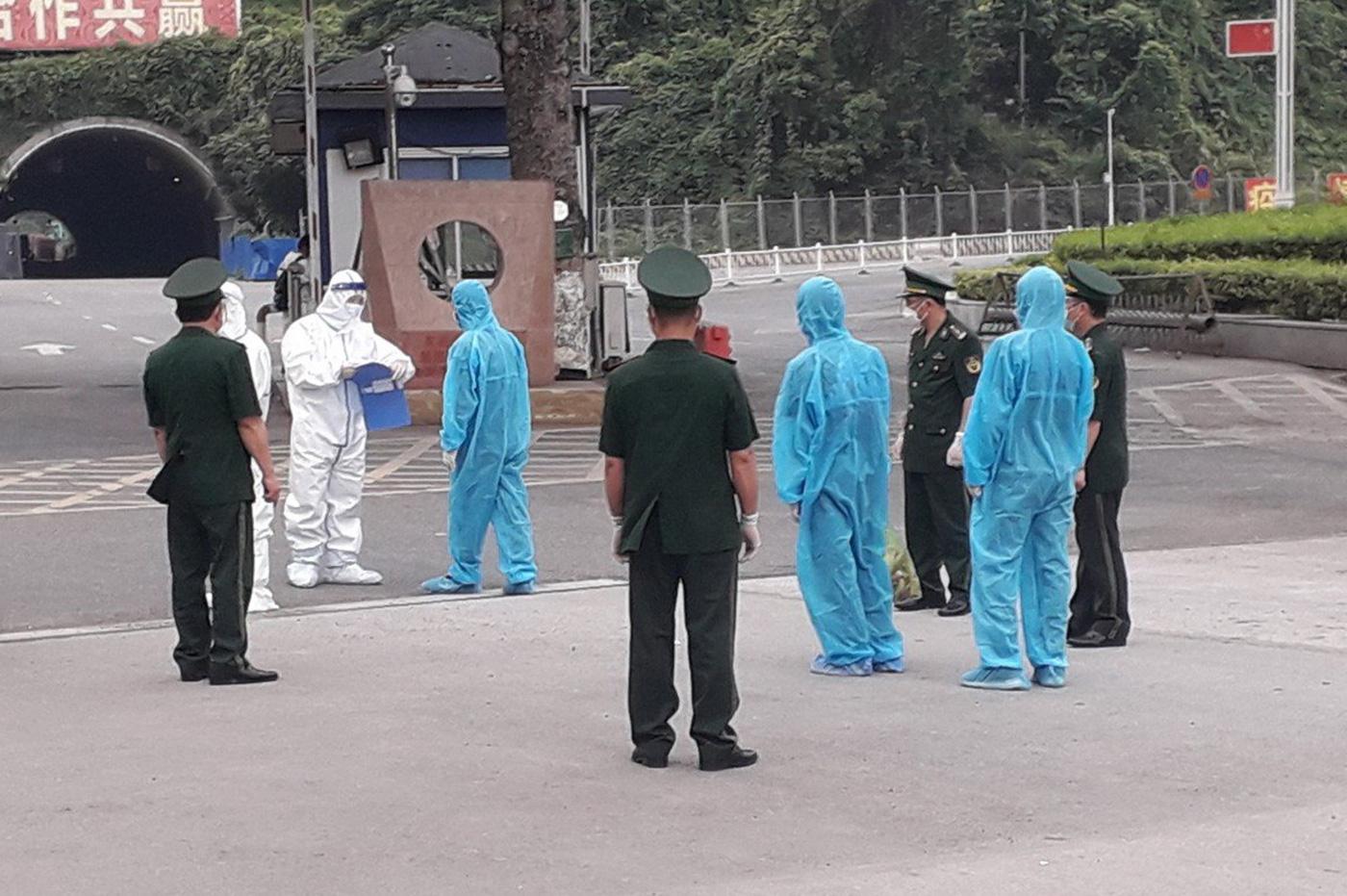 Vietnam deports three Chinese border jumpers