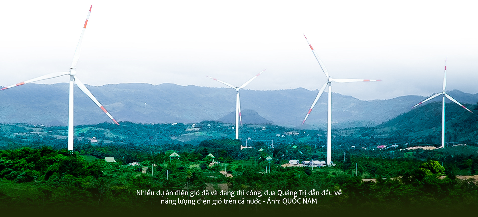 A wind farm in Huong Hoa District, Quang Tri Province from afar. Photo: Quoc Nam / Tuoi Tre