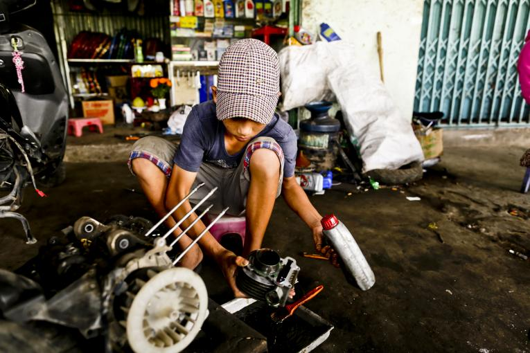 Pandemic forces Vietnamese children to drop out, join labor force: UNICEF, ILO