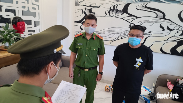 Chinese held for helping compatriot enter Vietnam illegally as disguised expert