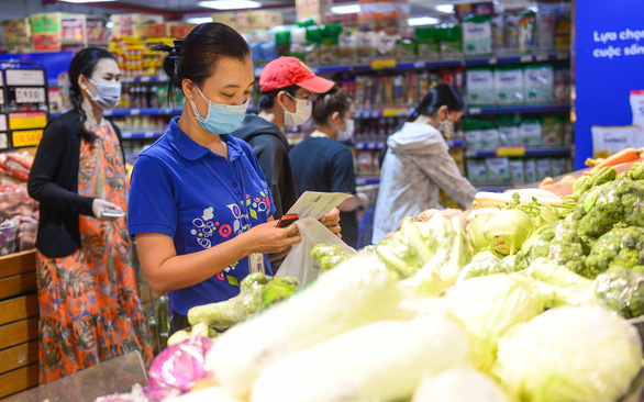 Online grocery shopping clicks with Saigonese during social distancing