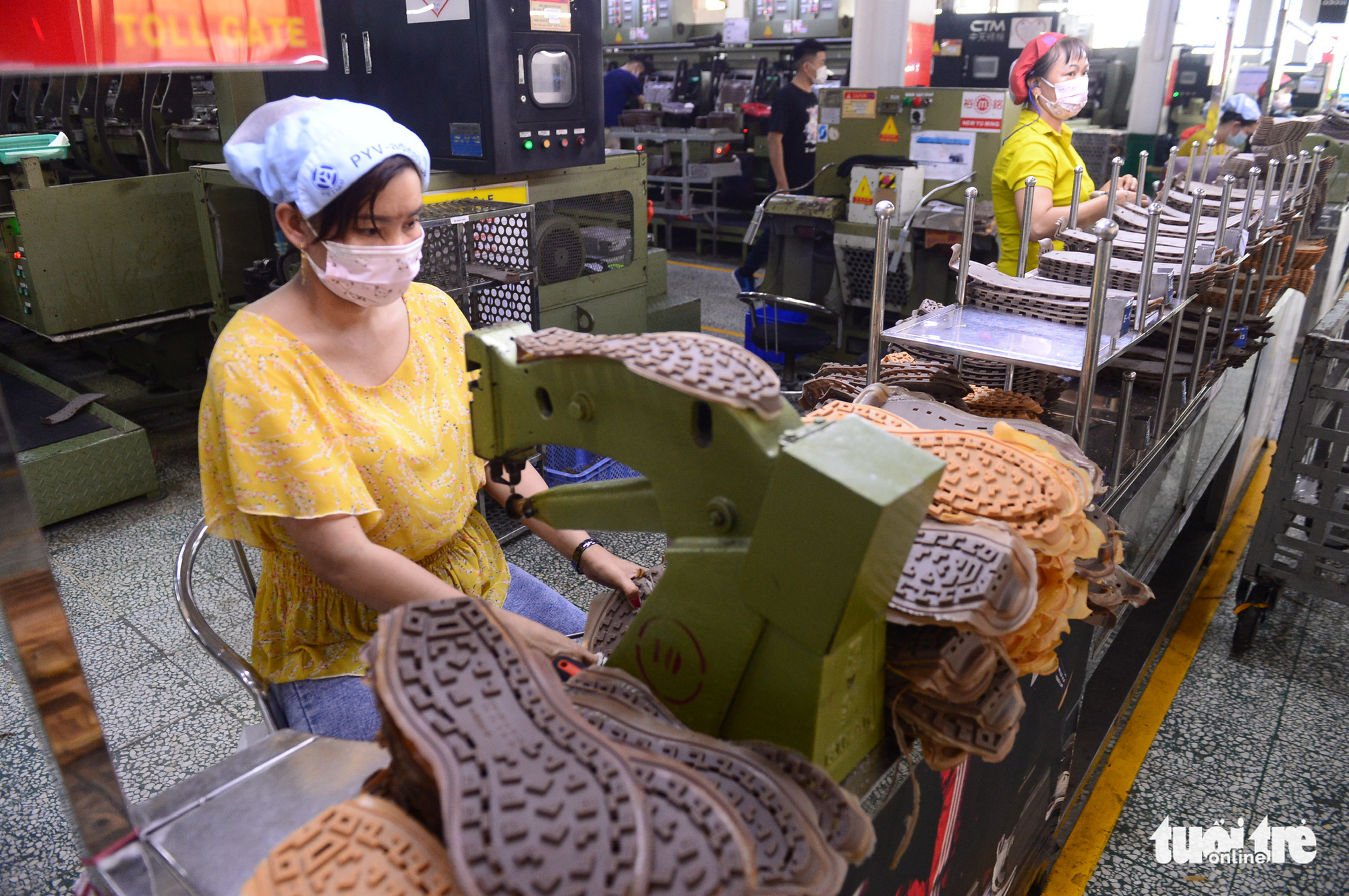 Taiwanese footwear manufacturer donates $1mn to Vietnam's COVID-19 Vaccine Fund