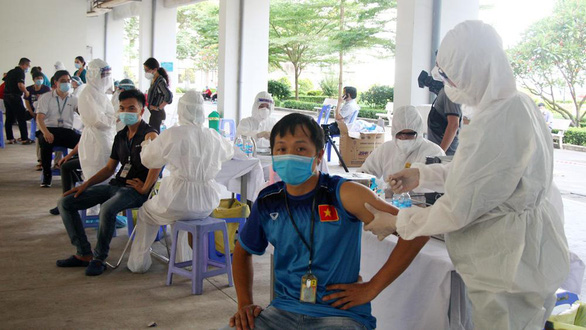 Vietnam records almost 400 local coronavirus infections nationwide, 90 in Ho Chi Minh City
