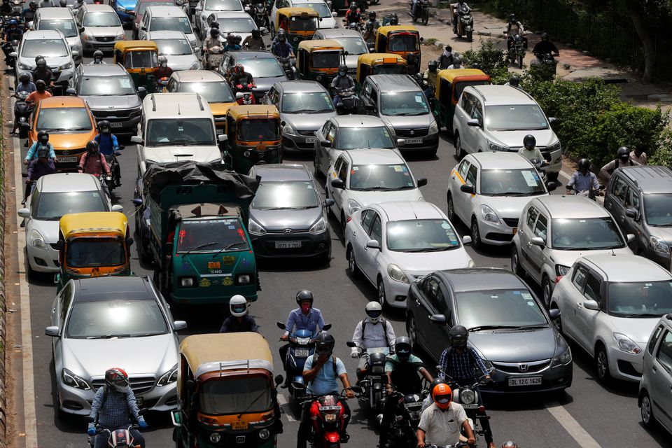 Vehicles are pictured on a road, after authorities eased lockdown restrictions that were imposed to slow the spread of the coronavirus disease (COVID-19), in New Delhi, India, June 8, 2021. Photo: Reuters