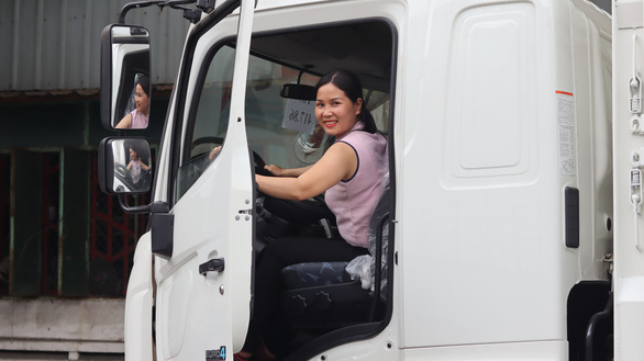 This female truck driver's vlog is taking Vietnamese social media by storm